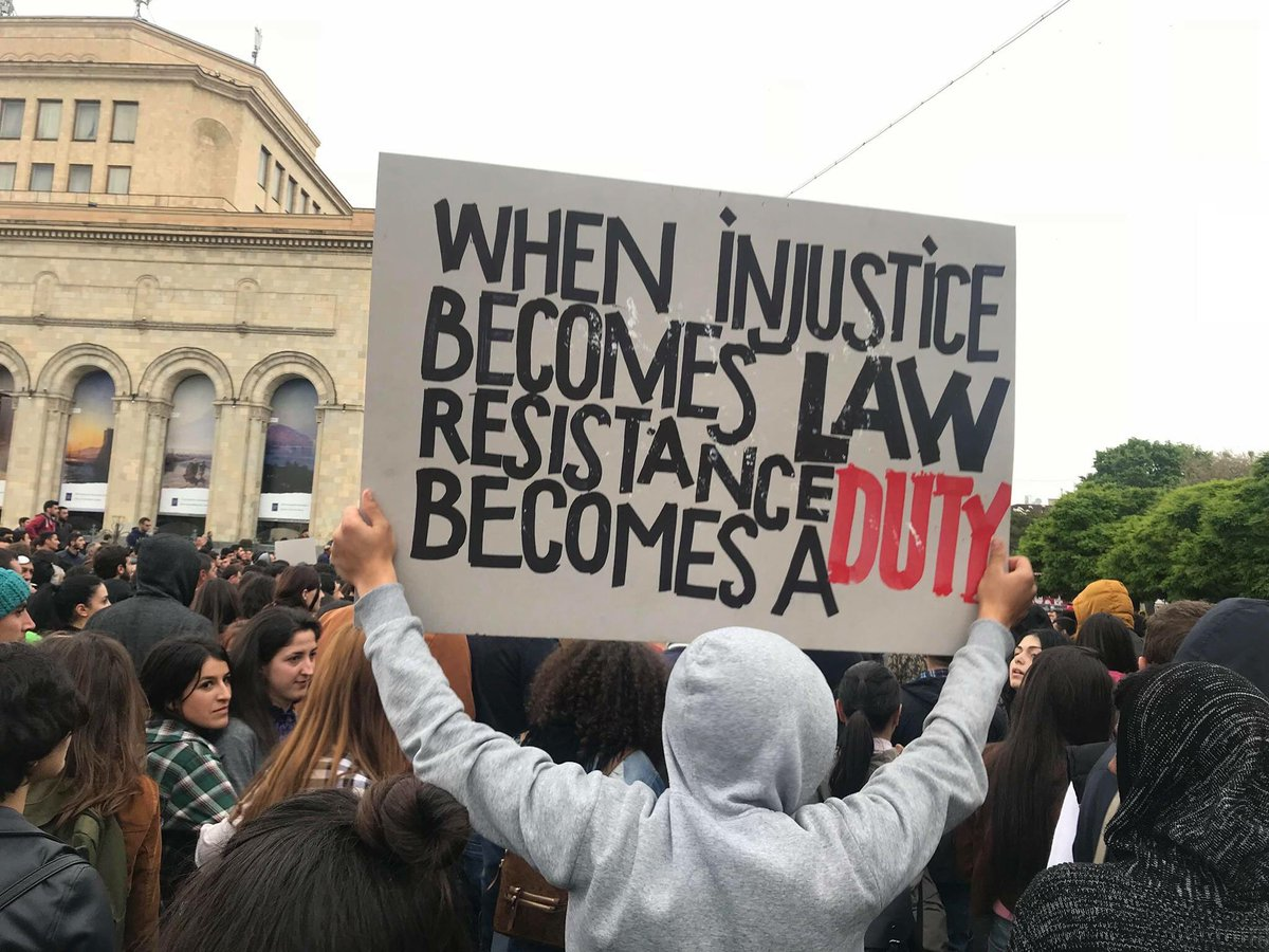 ARMENIA ANTIGOV PROTESTS APRIL 2018 twitter .jpg 3