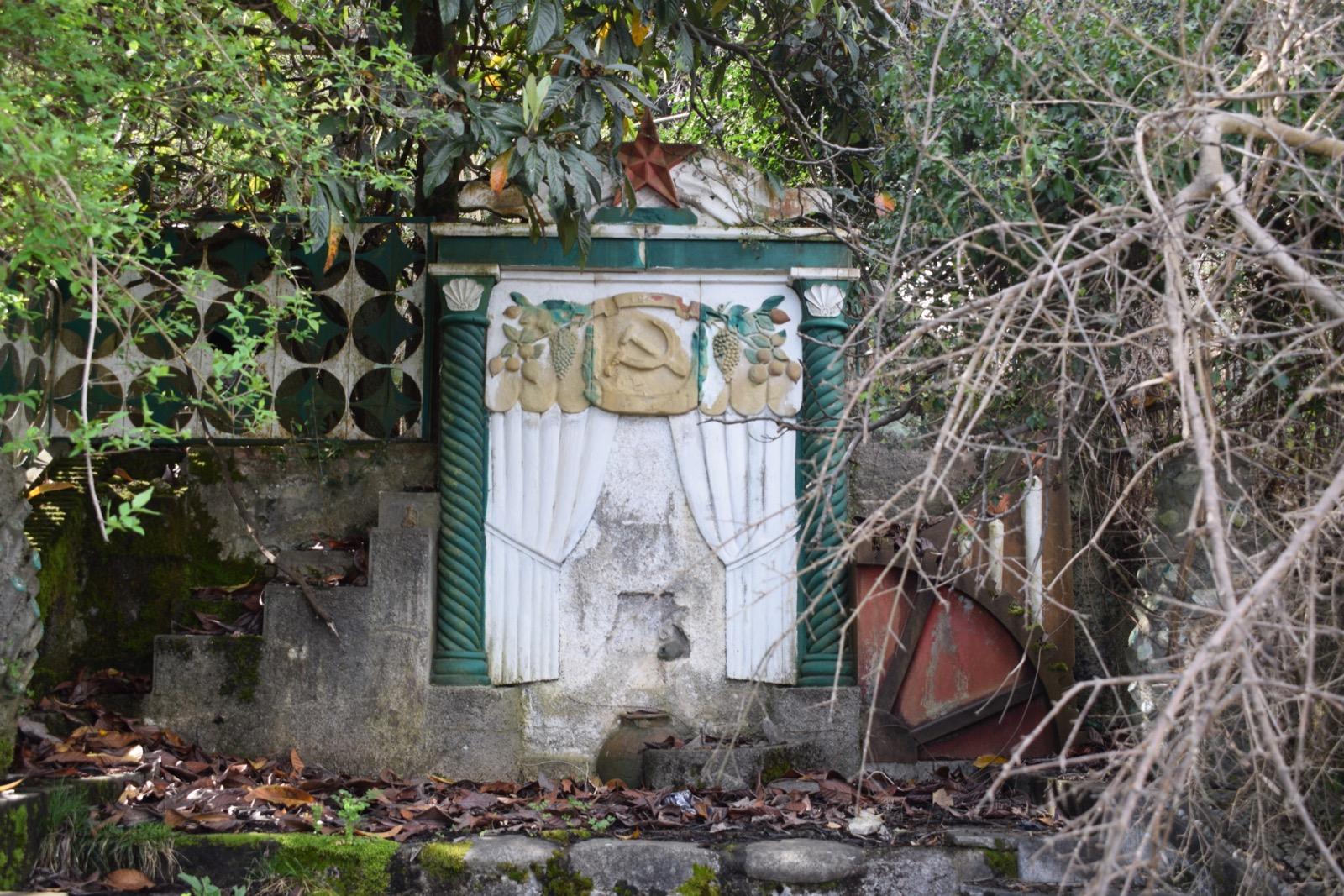 Soviet legacy.JPG bneGeneric Russia Abkhazia Filip Brokes 4