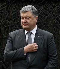 Elections en Ukraine le 31 mars 2019 BnePeopleUkrainePoroshenkoUSholdomormemorial2.jpegwww.president.gov_.uaenphotosallCROPPEDPORTRAIT